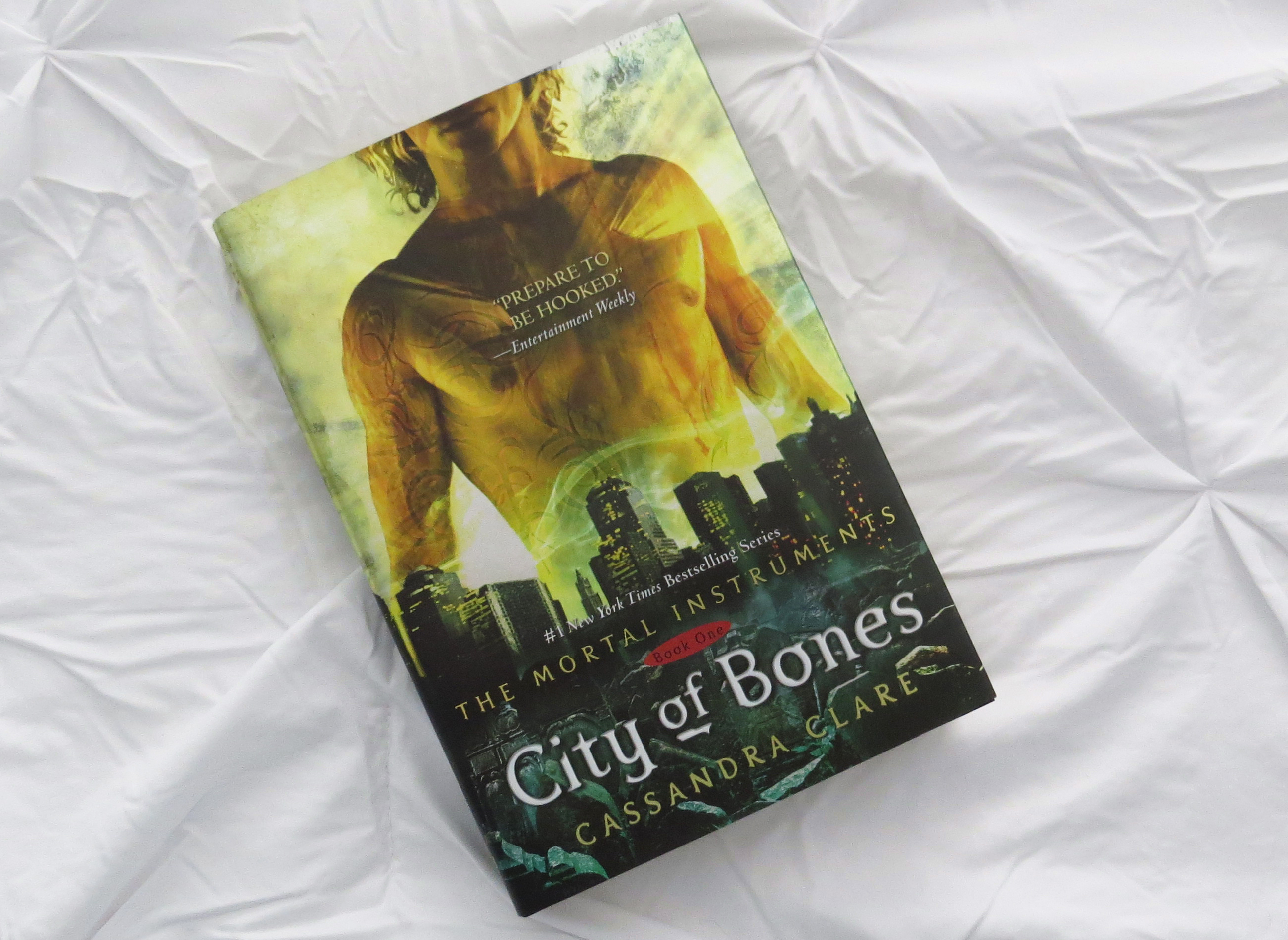 City of Bones by Cassandra Clare - The Contented Reader