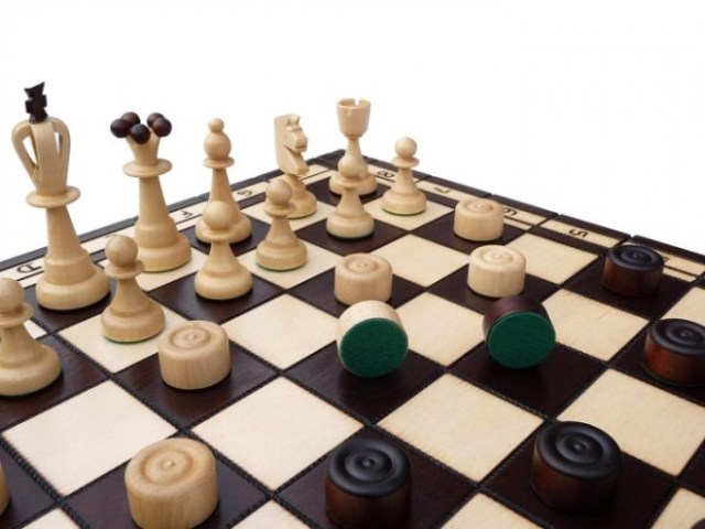 Chess vs. Checkers Leadership