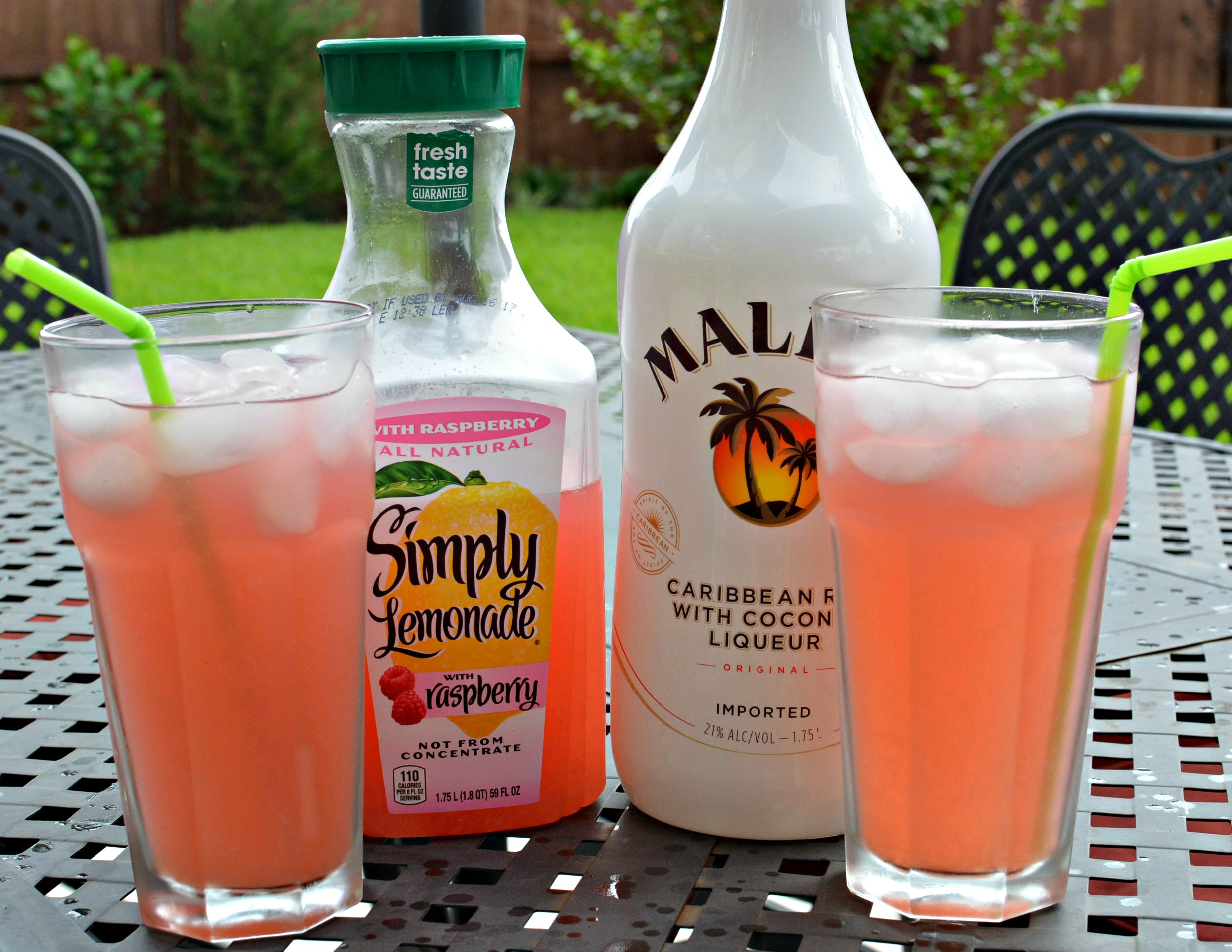 Raspberry Lemonade Summer Cocktail The Cookin Chicks