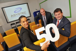REPRO FREE ASYSTEC ANNOUNCES 50 NEW HIGHLY SKILLED JOBS: Minister for European Affairs and Data Protection, Dara Murphy TD, today (Friday) announced the creation of 50 new highly skilled jobs over 3 years at the Data Management Solutions Company, Asystec. The Minister made the announcement at the official opening of the new Asystec Cork offices in Ballincollig, Co. Cork. Pictured are Senior Enterprise Account Manager, Sophia Byrne; Les Byrne, MD of Asystec and Minister Dara Murphy  Pic Daragh Mc Sweeney/Provision