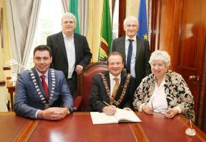 At Cork City Hall Rosemary O'Neill, Daughter of the Late Tip O'Neill, Speaker of the US House of Congress paid a courtesy call to City Hall in the Presence of Ard Mheara Corcaigh, Cllr. Chris O'Leary, Cork County Mayor Cllr. John Paul O'Shea, Manus O'Callaghan and Michael O'Neill. Picture, Tony O'Connell Photography.