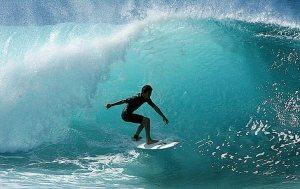 surfing_in_costa_rica