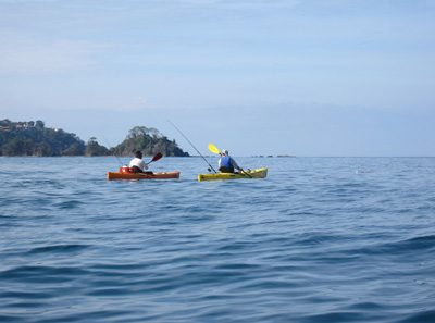kayaking the pacific ocean of costa rica