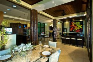 Casa Cuna dining room