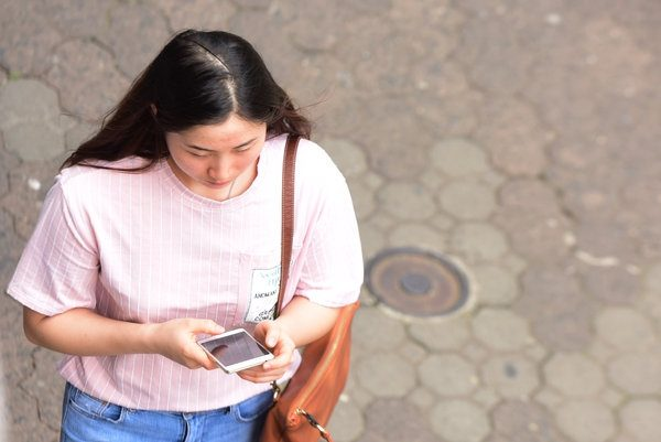 In Costa Rica, there is a group of 1.2 million connected women of different generations who use mobiles as their preferred device, especially to watch videos, learn, be up to date, and look for promotions and general information