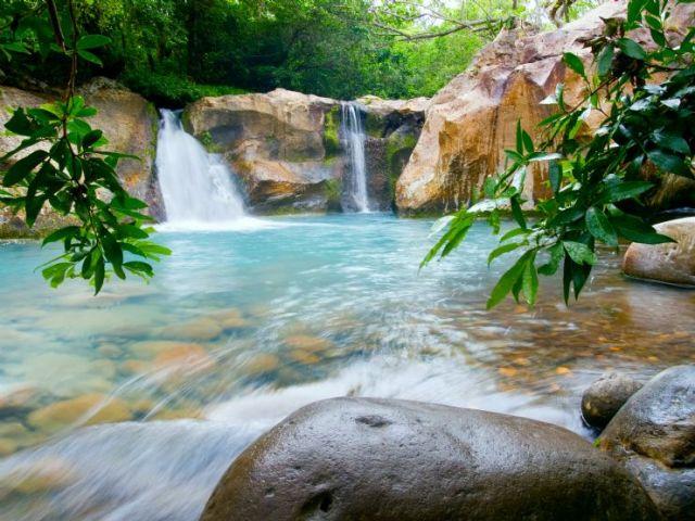 Rincón de La Vieja national park has spectacular waterfalls.