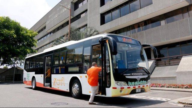 Electric bus in San José
