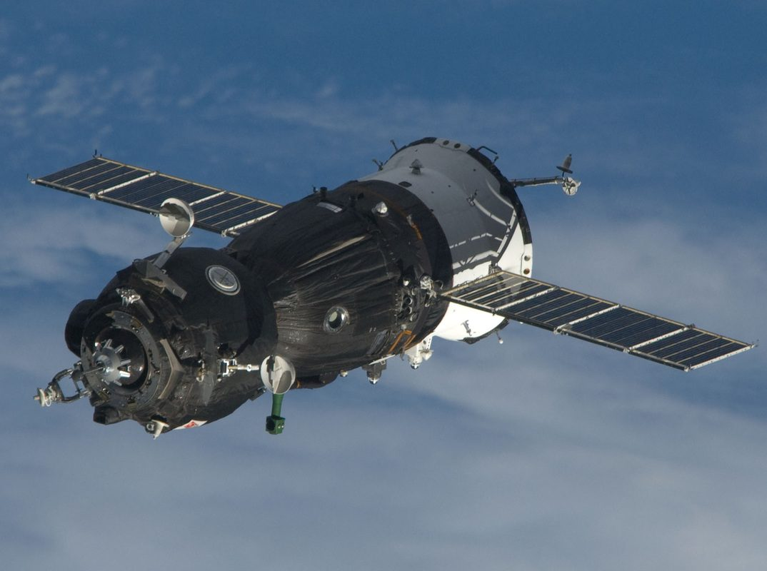 Soyuz heads to ISS on first manned mission