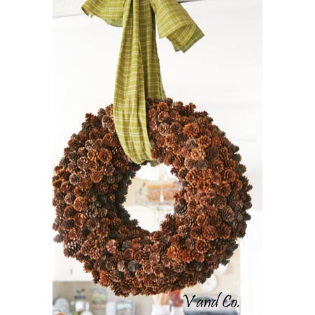 Perfect Pine Cone Wreath DIY Projects