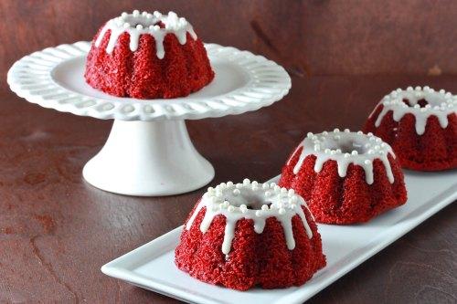 mini-red-velvet-bundt-cakes