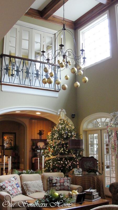 1-christmas_family_room-033