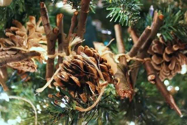 Rustic Christmas Tree3