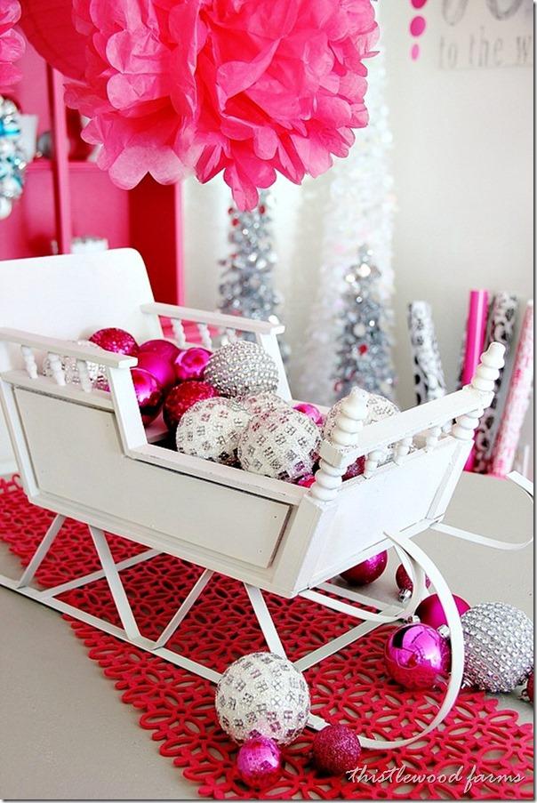 pink-and-blue-Christmas-sleigh_thumb