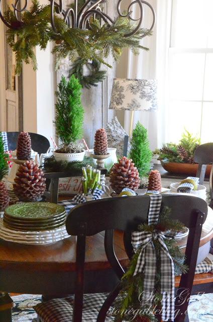 table-Christmas-breakfast room-stonegableblog.com