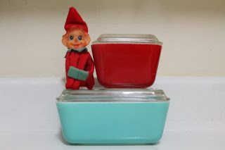 turquoise-refrigerator-dish-red-501-502-kneehugger-pyrex-christmas-for-sale-vintage-retro