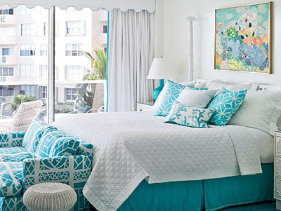 Love the aqua and white combination in this bedroom