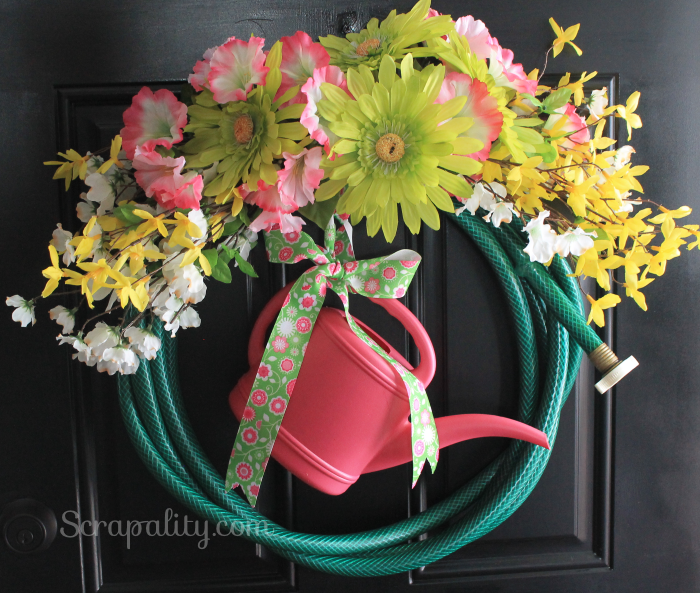 Garden-Hose-Wreath5