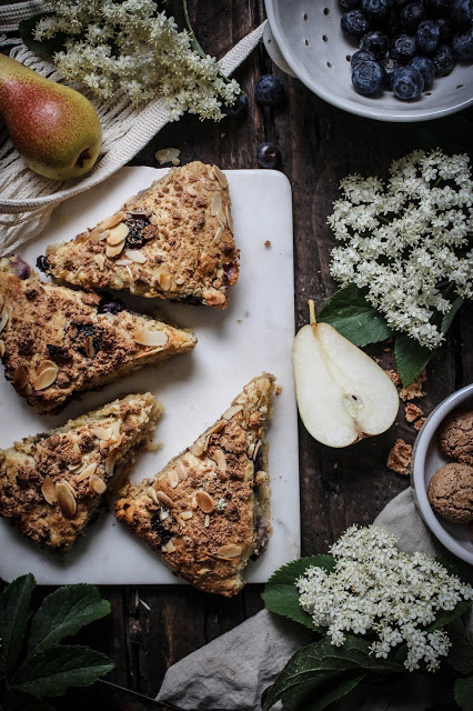 pear blueberry scones with amaretti crumble-19