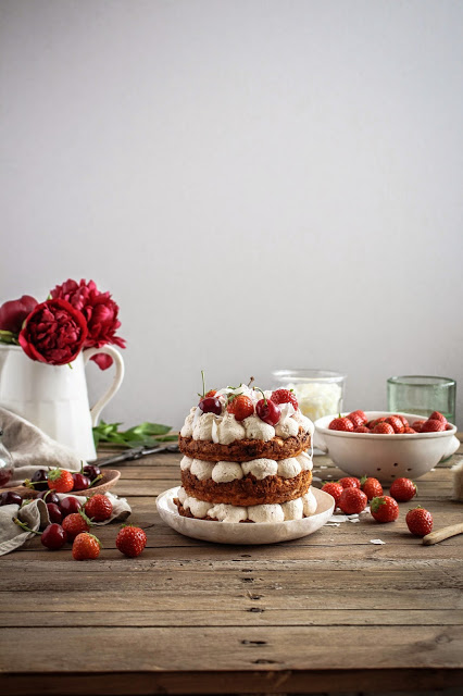 strawberry coconut macaroon cake-8