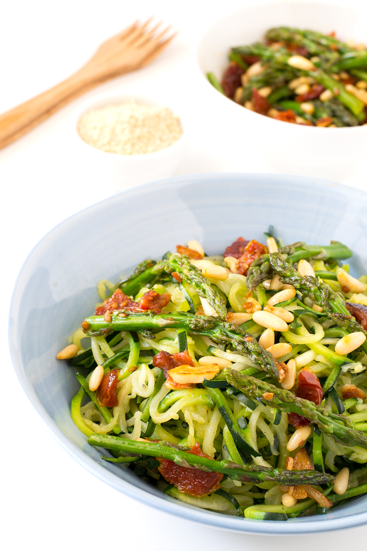 zucchini-noodles-with-vegetables