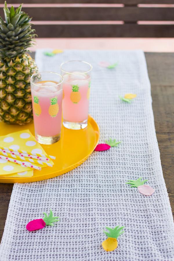 DIY-Pineapple-Table-Runner4-600x900