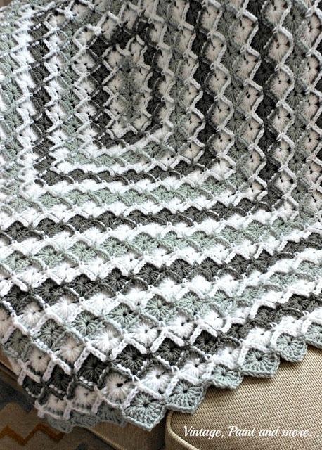DSCN2101+grey+diamond+afghan