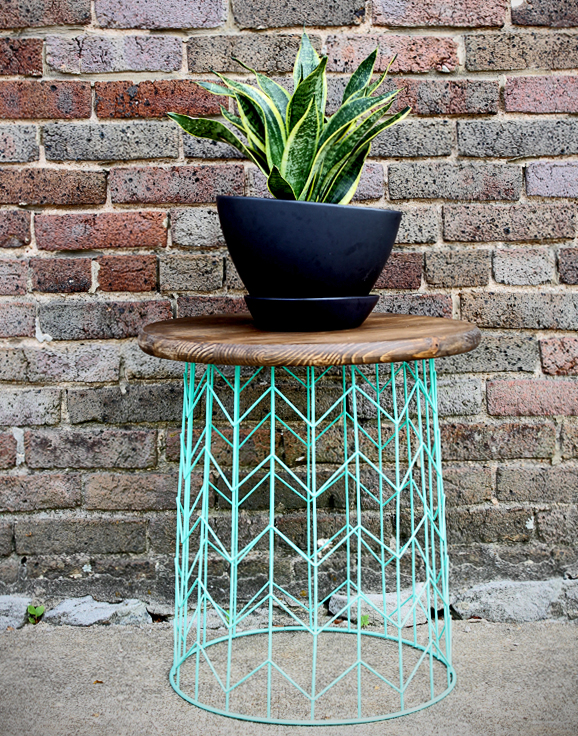 make-this-wire-basket-side-table