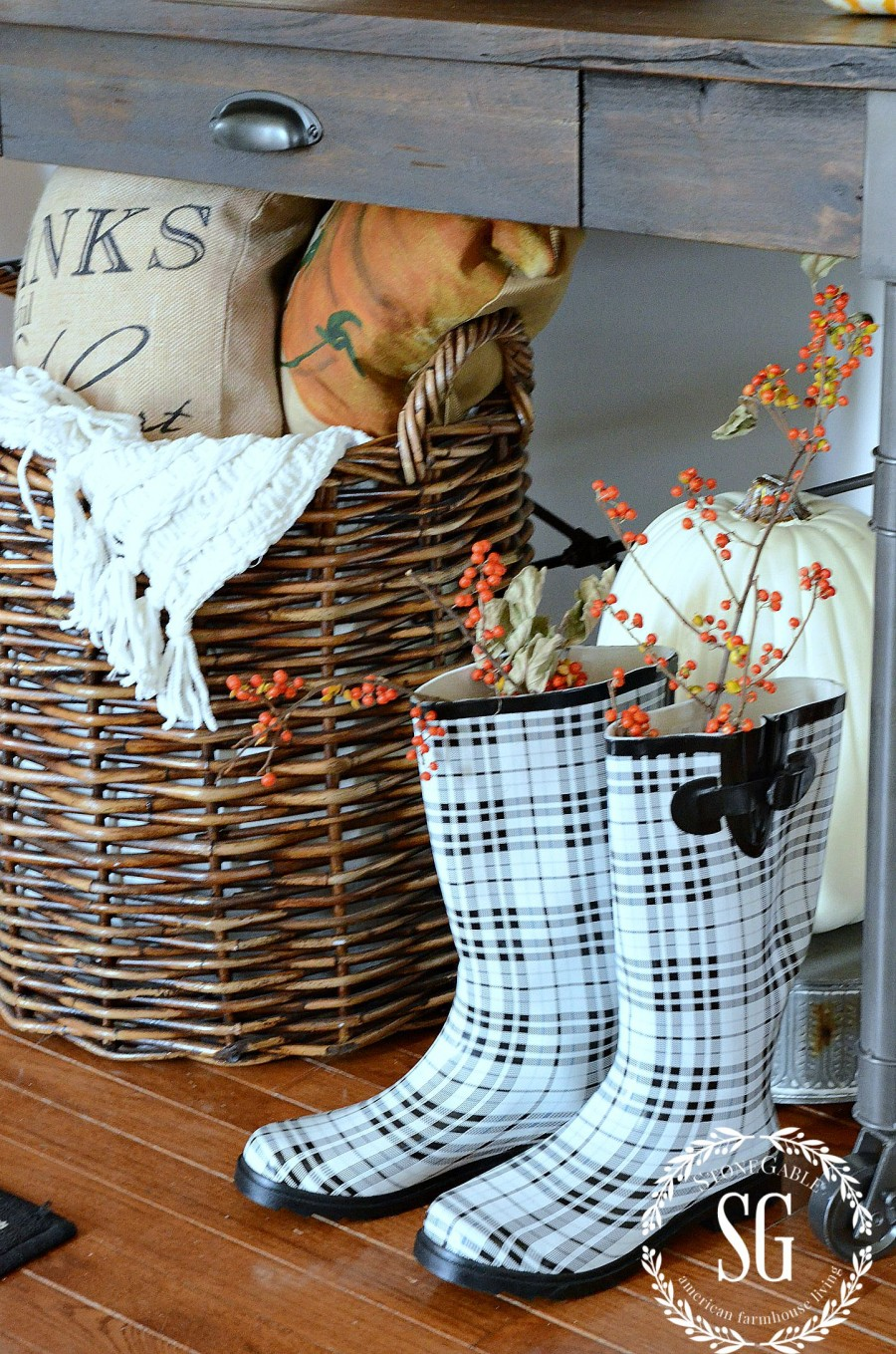 DECORATING-WITH-NATURAL-FALL-ELEMENTS-bittersweet-in-plaid-rainboots-stonegableblog.com_