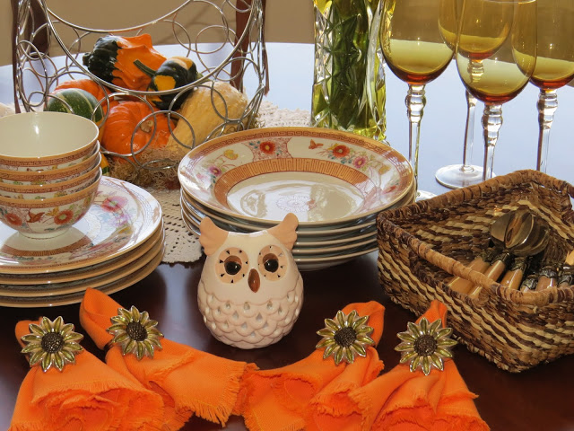 Fall lunch table 2015 010
