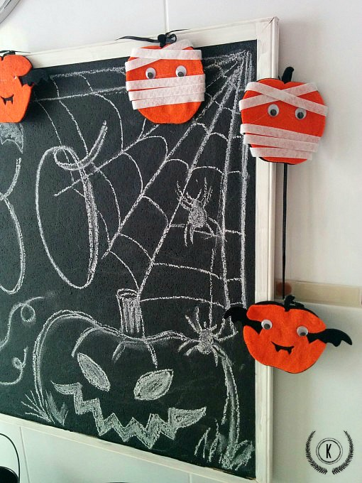 Halloween-deco-garland-close