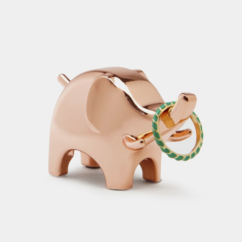 This adorable elephant ring holder is too cute for words