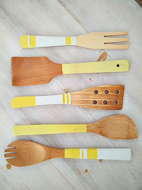 Painted-Wooden-Kitchen-Utensils-7
