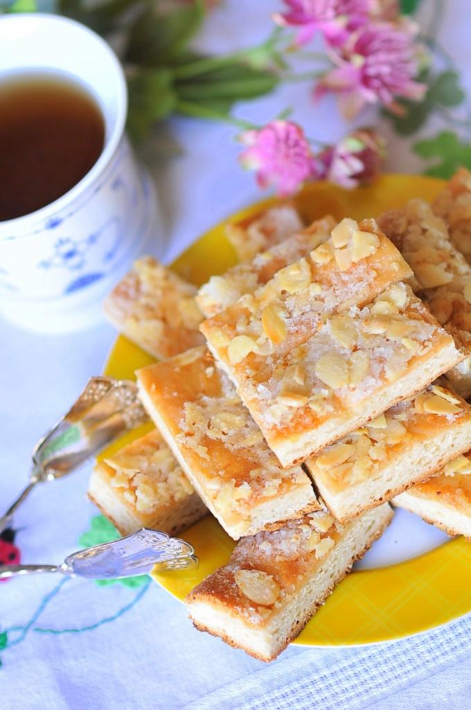 Omas-Bienenstich-Bee-Sting-Cake-4