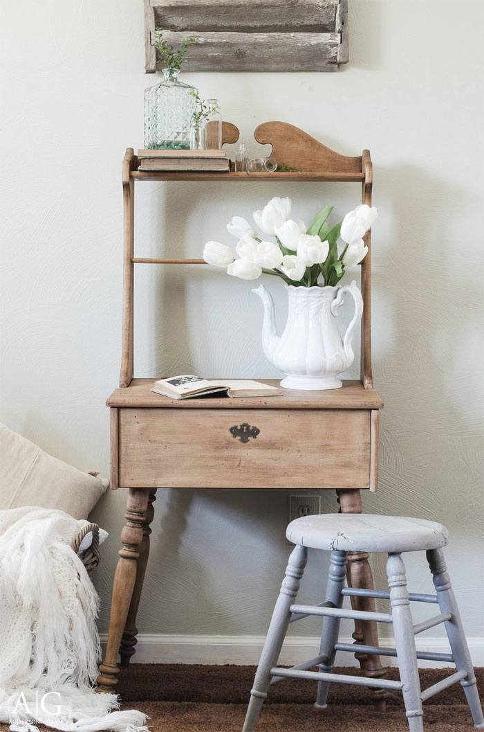 small-wood-desk