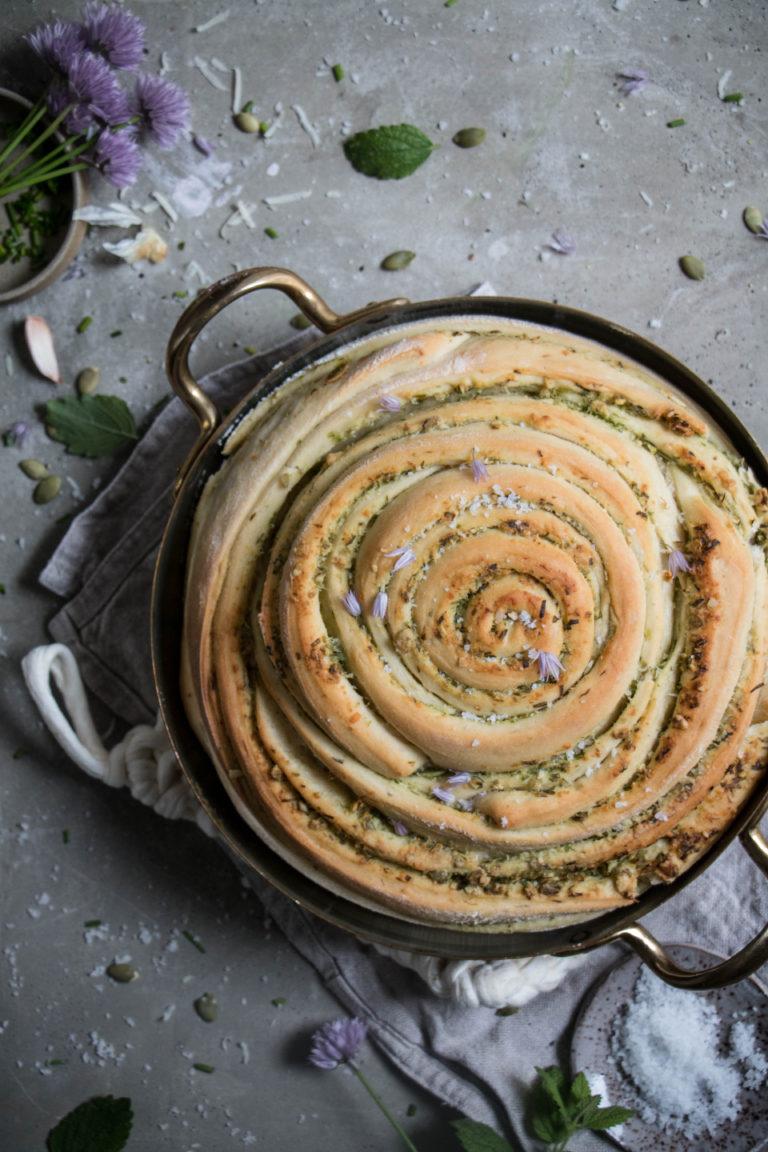 chive-pumpkin-seed-pesto-bread-1-768x1152