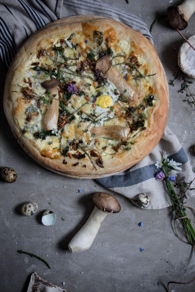 garlic-mushroom-pizza-1-7-768x1152