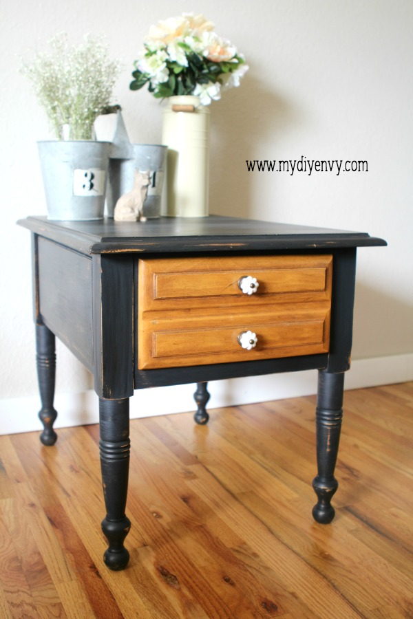 Farmhouse-table-makeover-with-black-old-fashioned-milk-paint