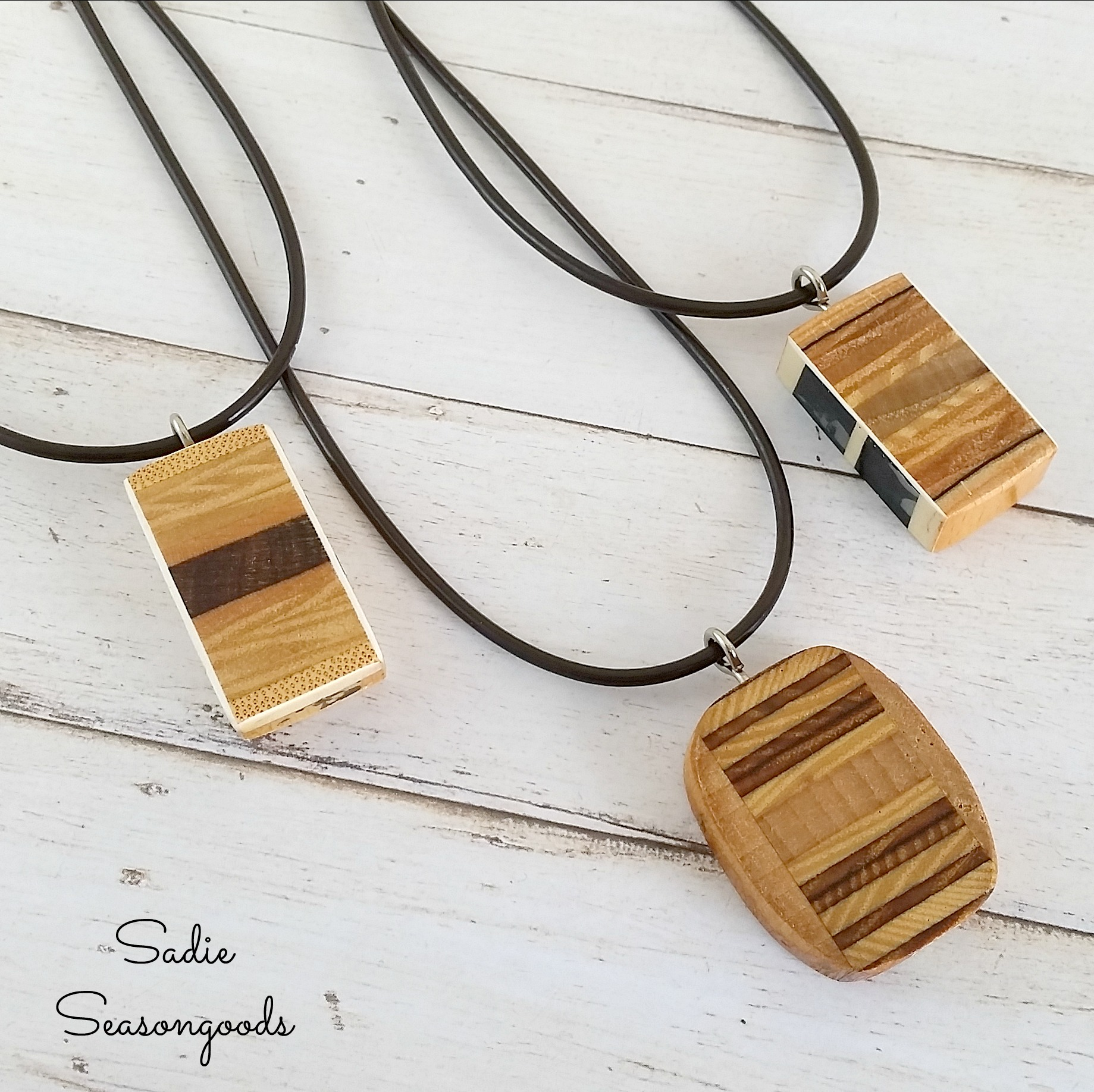 Wooden_necklace_pendants_from_repurposed_upcycled_vintage_wood_tennis_rackets_by_Sadie_Seasongoods