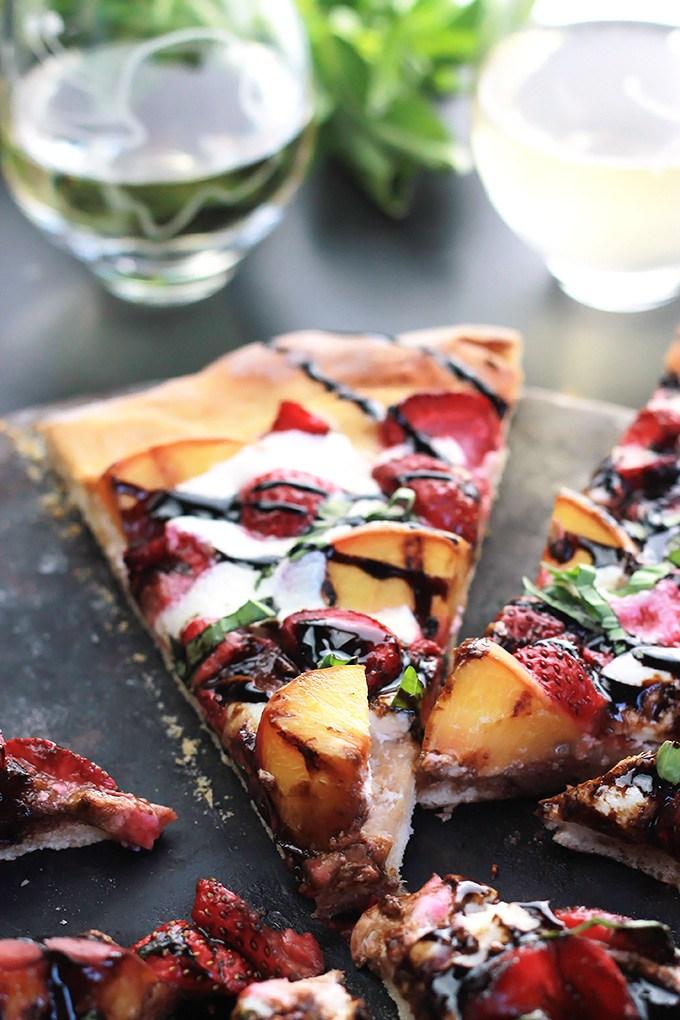 Peachy-Strawberry-Pizza10