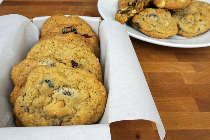 Chocolate-Chip-Macadamia-Nut-Cookies-Pack-www.smallhomesoul.com_