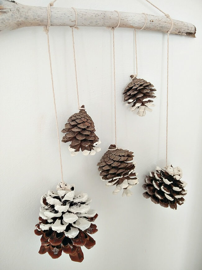 Pine-cones-wall-hanging-kreativk.net-2