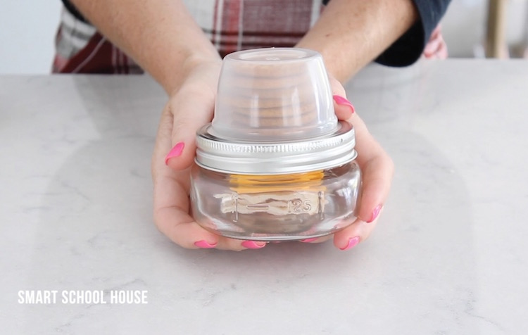 This mason jar is great for packing a snack with crackers.