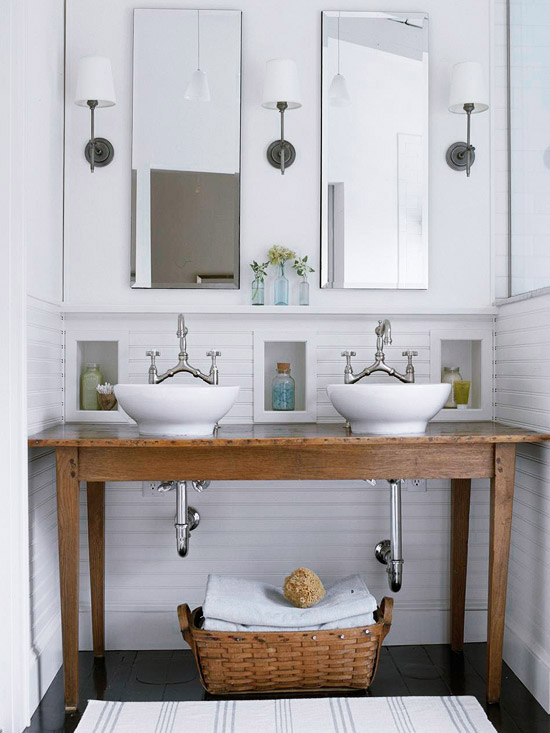 This simple wood vanity holds two sicks and adds to the farmhouse decor.