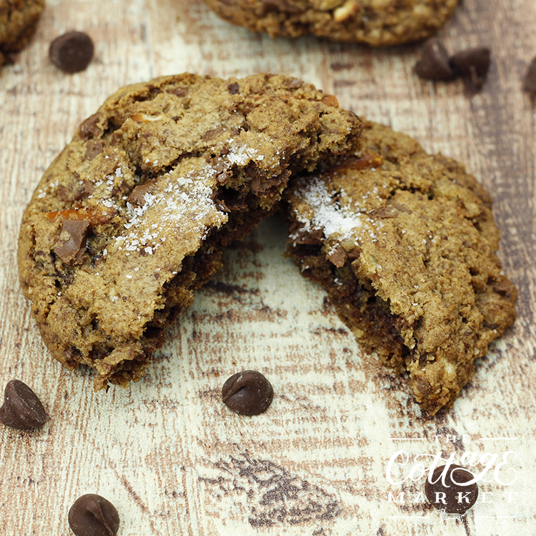 Soft on the inside with the perfect bit of crunch on the outside, these chocolate pretzel cookies are the best cookies ever