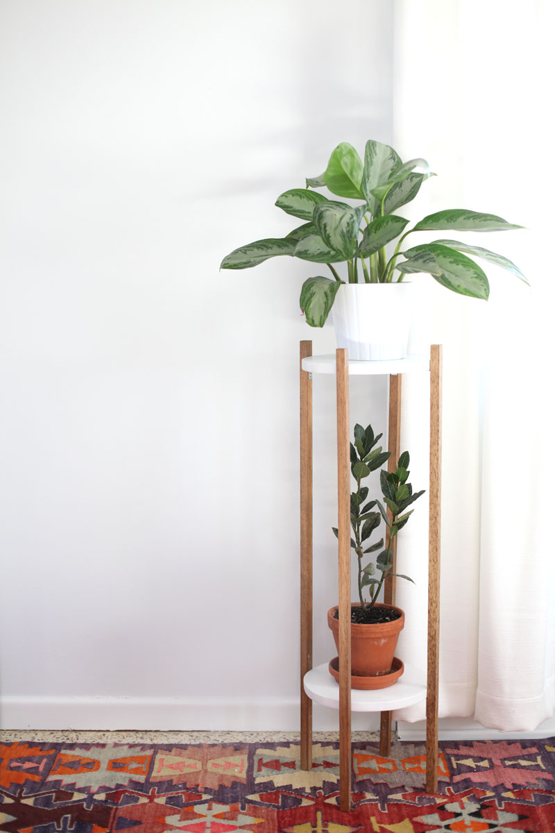 I love the simple design of this IKEA plant stand. The sleek lines make this a modern design dream