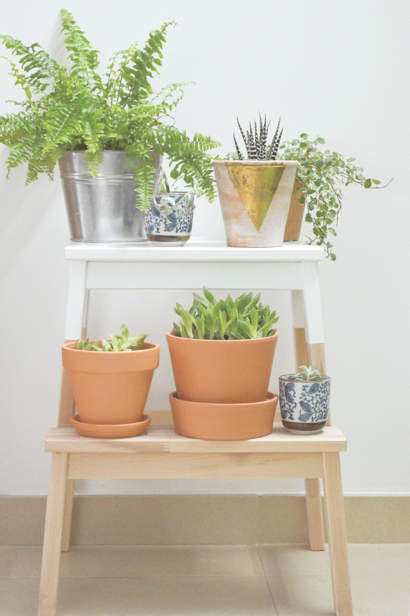 All you need is a stool from IKEA and some planters for this hack