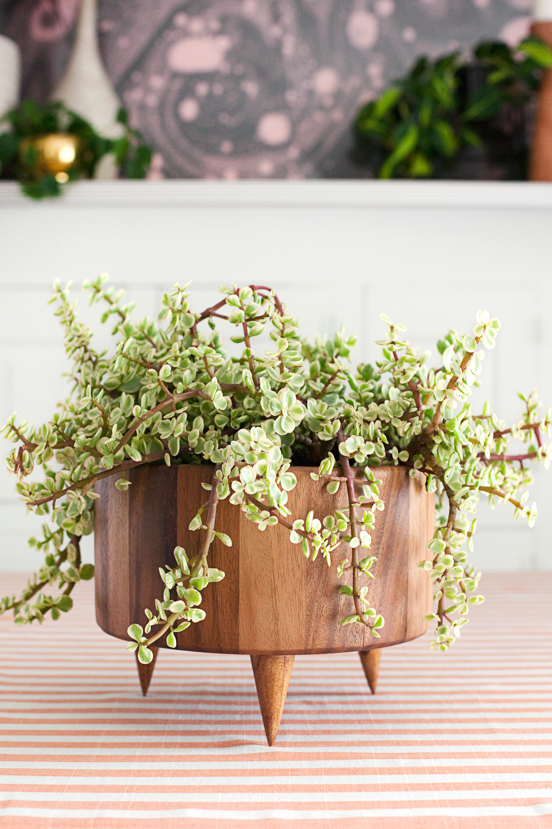 These thrift store salad bowls make perfect planters and centerpieces.
