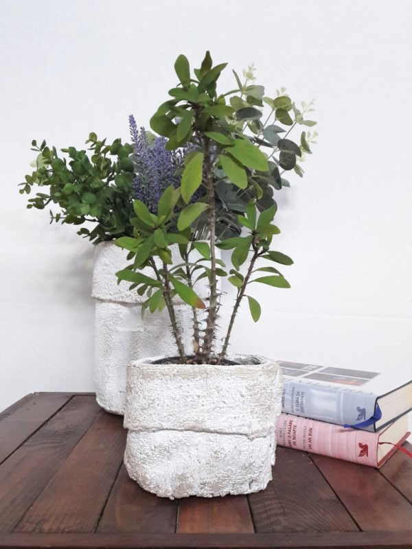 These diy planters are an easy way to add a diy farmhouse touch