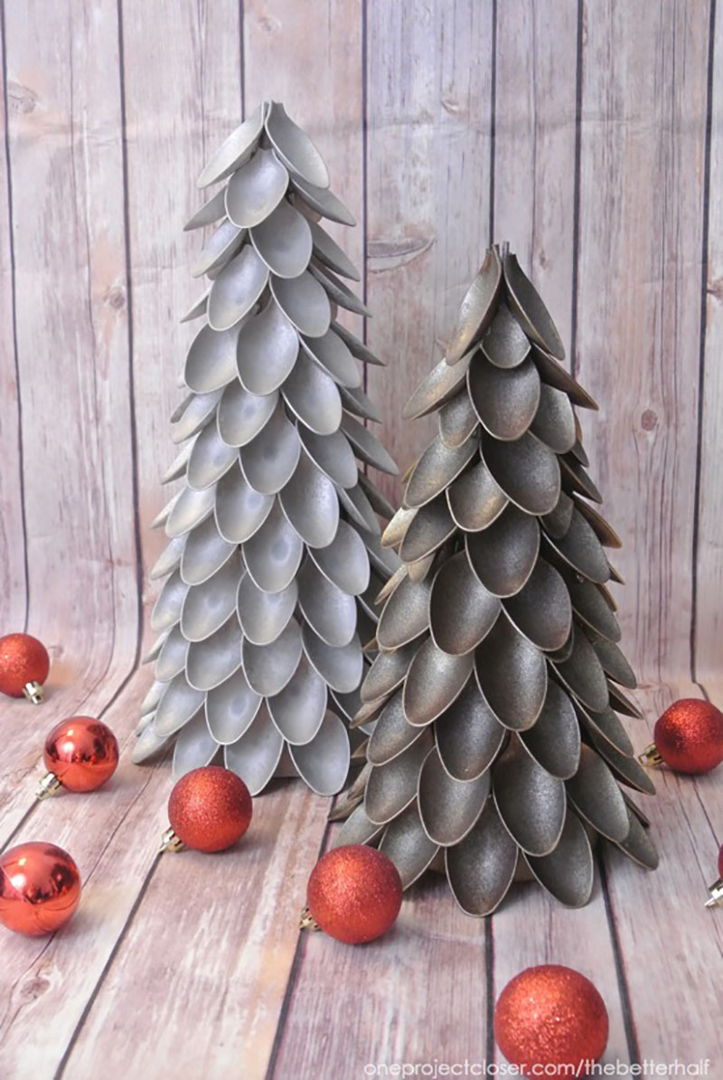 The Best Farmhouse DIY Dollar Store Christmas Decorations EVER are waiting for you to check them out and pick the ones you want to make for your home!
