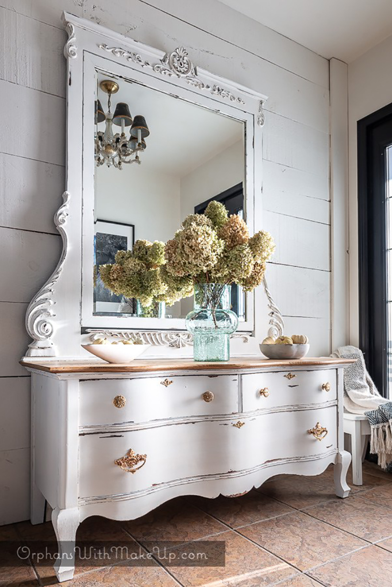 Time to take a look at some Fabulous and Fresh DIY Ideas and Home Decor! Check out what is new this week in the wonderful world of Farmhouse Blogs! ENJOY!